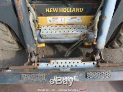 2011 New Holland L225 Mini Pneus Aux Hyd 2-spd Cabine Bidadoo